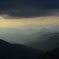 Abstieg - Lichtspiele im Tal